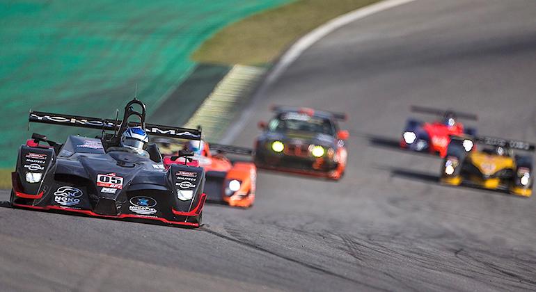 MC Tubarão-Ford de ANdrade e Martini mostrou resistência e venceu entre os protótipos (Bruno Terena)