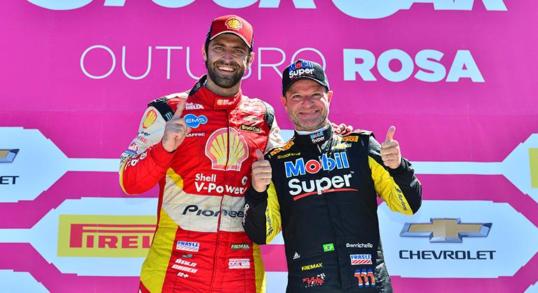 Átila (E) e Rubinho, os vencedores da rodada da Stock Car em Londrina (Duda Bairros)