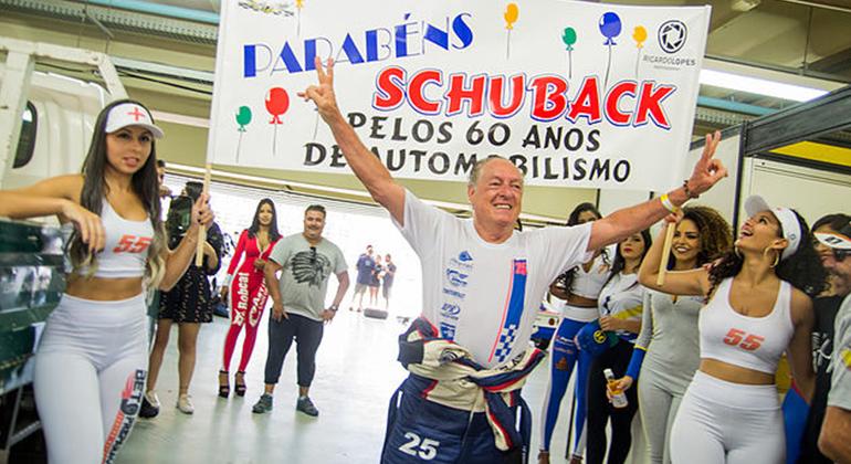 Festa de aniversário surpresa para Jorge Schuback, ícone da classe Old Man na Old Stock Race