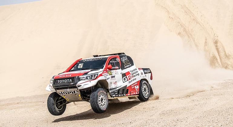 Nasser Al Attyah e Mathieu Baumel venceram na classificação geral com esta Toyota Hilux (Divulgação)