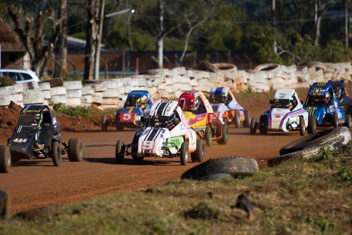 Abertura da temporada brasileira de kartcross é outra atração da roda paulista (Blogdaequipe.com)